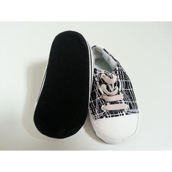 Baby boy pre-owned white/black trainers, 9-12 months