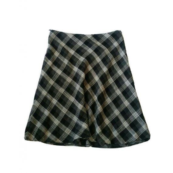Ladies beige and black skirt UK 20
